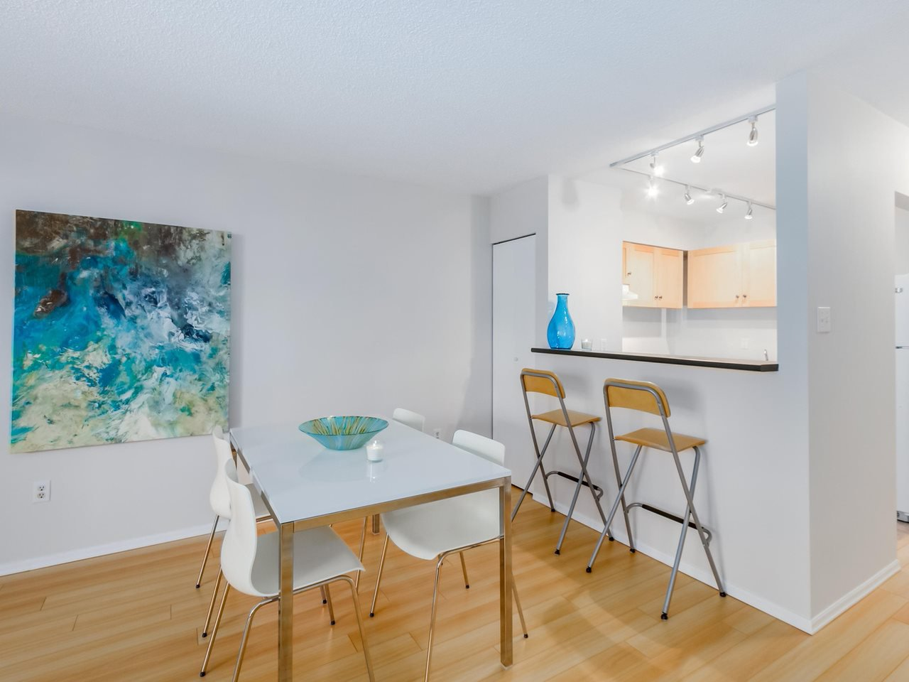 """Photo 13: Photos: 207 1545 E 2ND Avenue in Vancouver: Grandview VE Condo for sale in """"TALISHAN WOODS"""" (Vancouver East)  : MLS®# R2086466"""