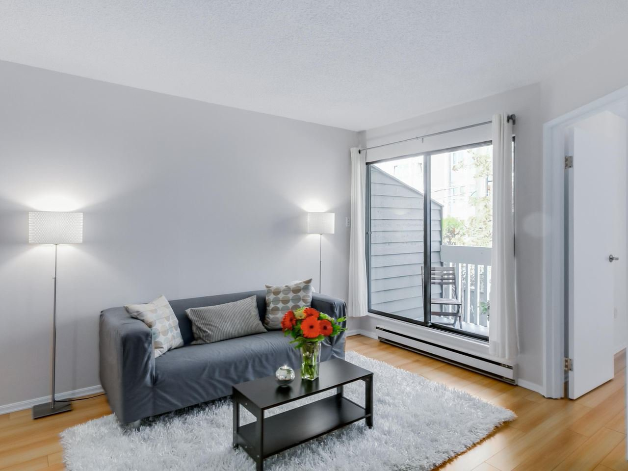"""Photo 7: Photos: 207 1545 E 2ND Avenue in Vancouver: Grandview VE Condo for sale in """"TALISHAN WOODS"""" (Vancouver East)  : MLS®# R2086466"""