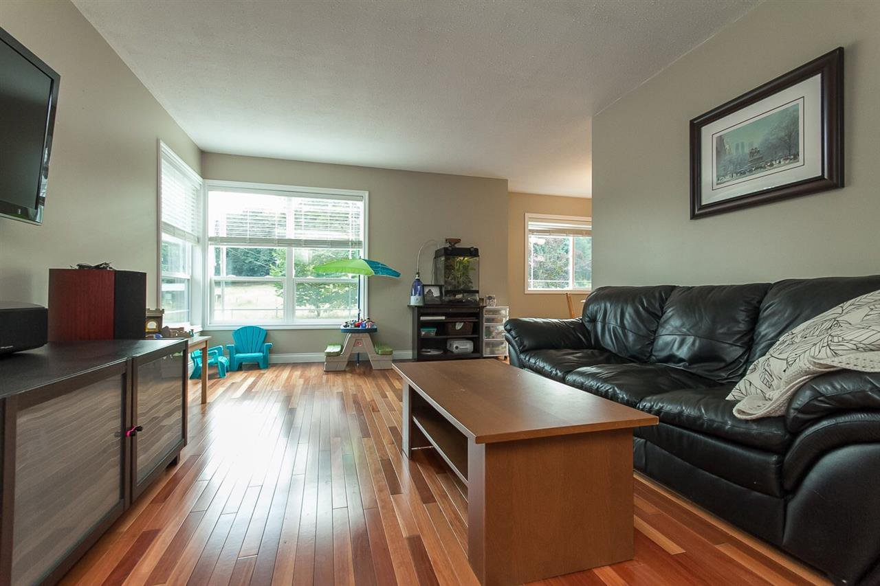 Photo 3: Photos: 3565 OLD CLAYBURN Road in Abbotsford: Abbotsford East House for sale : MLS®# R2100404