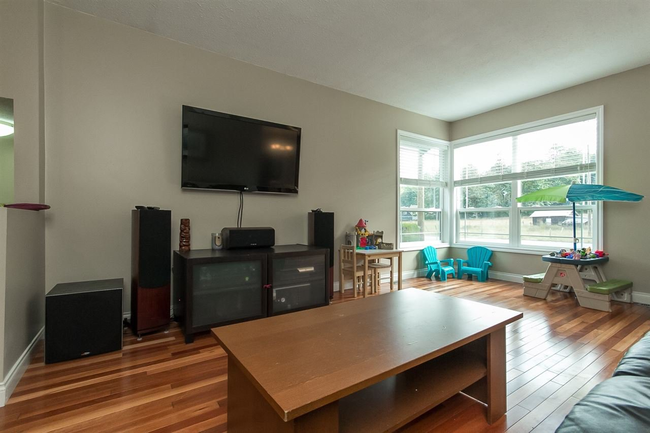 Photo 2: Photos: 3565 OLD CLAYBURN Road in Abbotsford: Abbotsford East House for sale : MLS®# R2100404