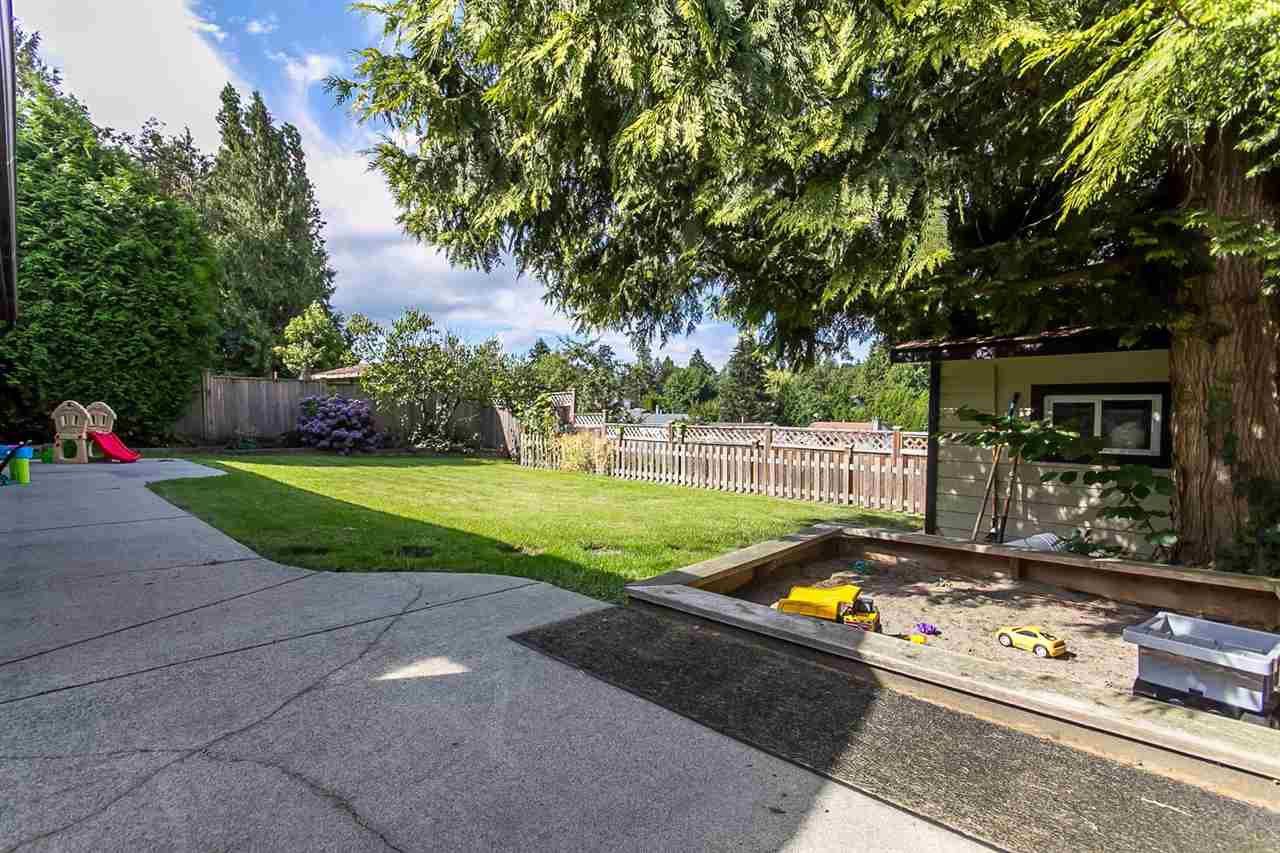 Photo 19: Photos: 3565 OLD CLAYBURN Road in Abbotsford: Abbotsford East House for sale : MLS®# R2100404