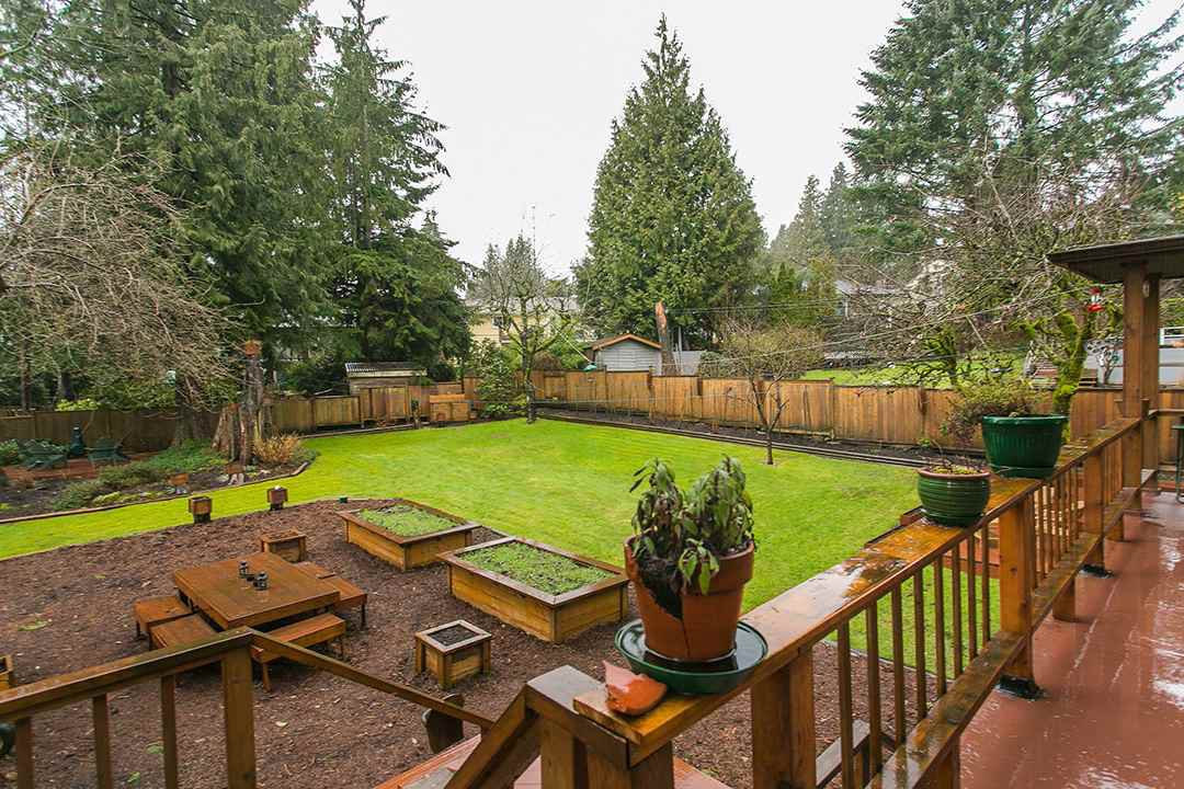 Photo 2: Photos: 1561 MERLYNN Crescent in North Vancouver: Westlynn House for sale : MLS®# R2143855