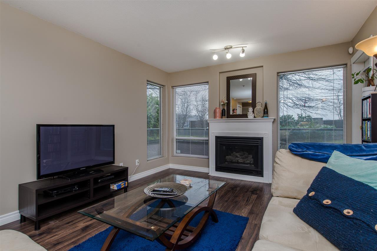 "Photo 9: Photos: 110 33738 KING Road in Abbotsford: Poplar Condo for sale in ""College Park"" : MLS®# R2149689"