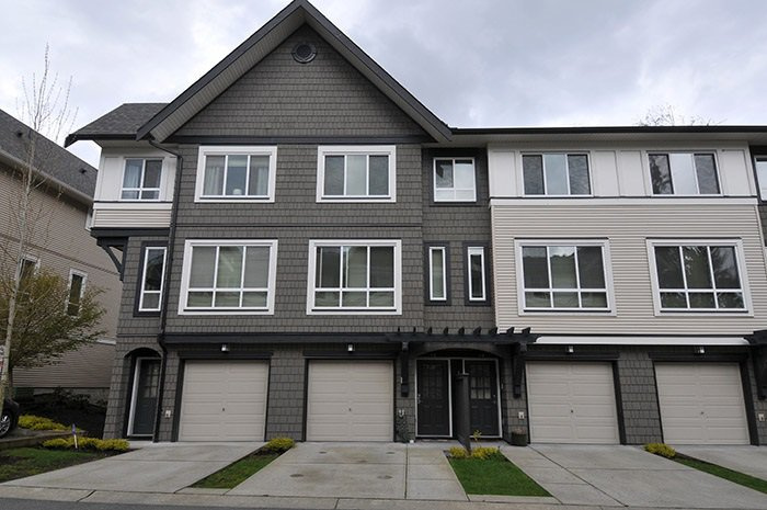 """Main Photo: 32 1295 SOBALL Street in Coquitlam: Burke Mountain Townhouse for sale in """"TYNERIDGE"""" : MLS®# R2159792"""