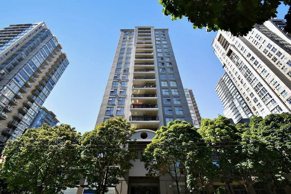 "Main Photo: 803 989 RICHARDS Street in Vancouver: Downtown VW Condo for sale in ""MONDRIAN"" (Vancouver West)  : MLS®# R2175758"