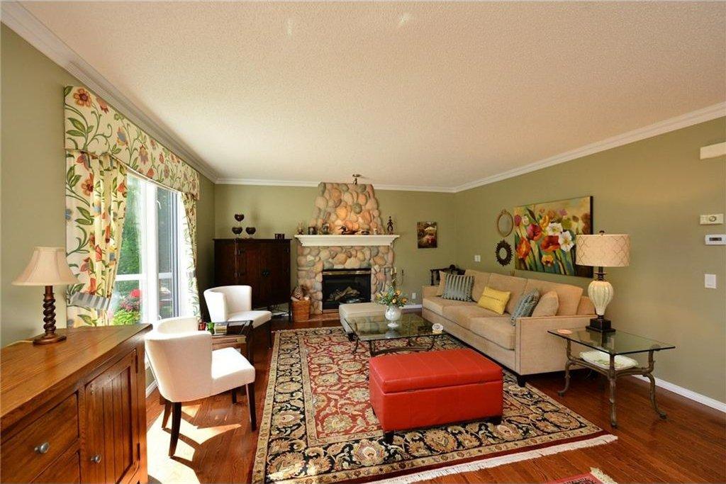 Photo 6: Photos: 52 GLENEAGLES View: Cochrane House for sale : MLS®# C4125774