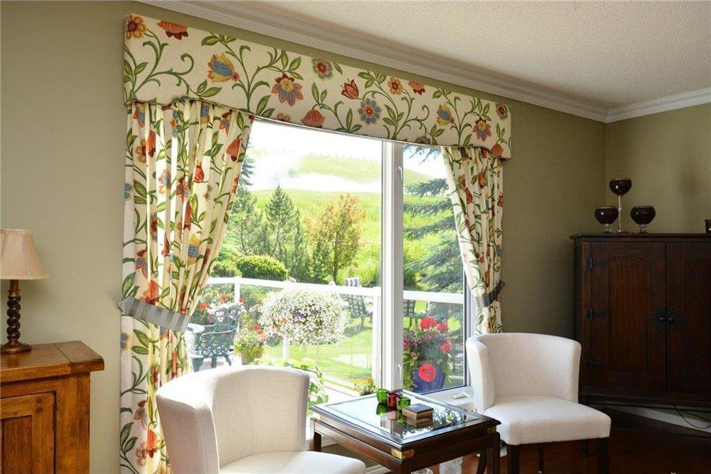 Photo 19: Photos: 52 GLENEAGLES View: Cochrane House for sale : MLS®# C4125774