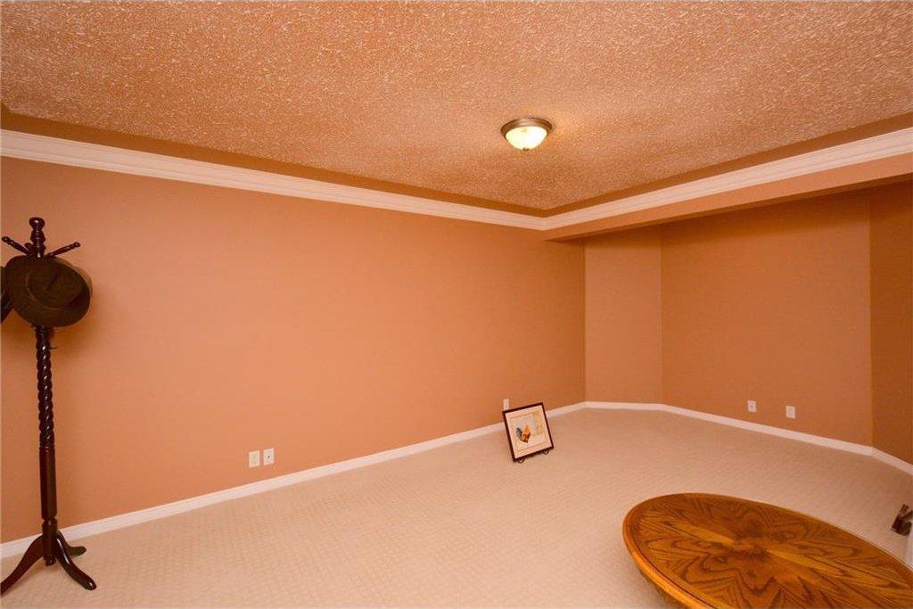 Photo 36: Photos: 52 GLENEAGLES View: Cochrane House for sale : MLS®# C4125774