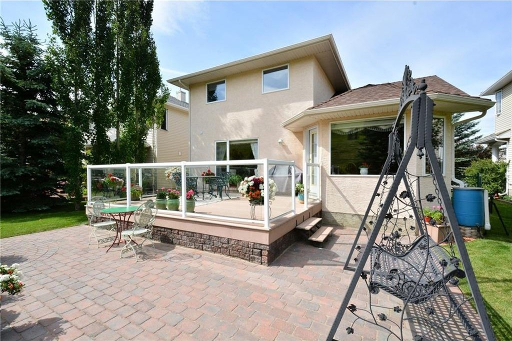 Photo 43: Photos: 52 GLENEAGLES View: Cochrane House for sale : MLS®# C4125774