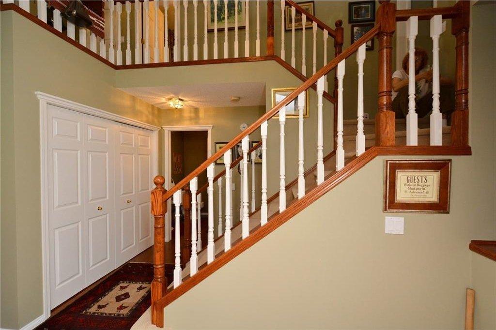 Photo 21: Photos: 52 GLENEAGLES View: Cochrane House for sale : MLS®# C4125774