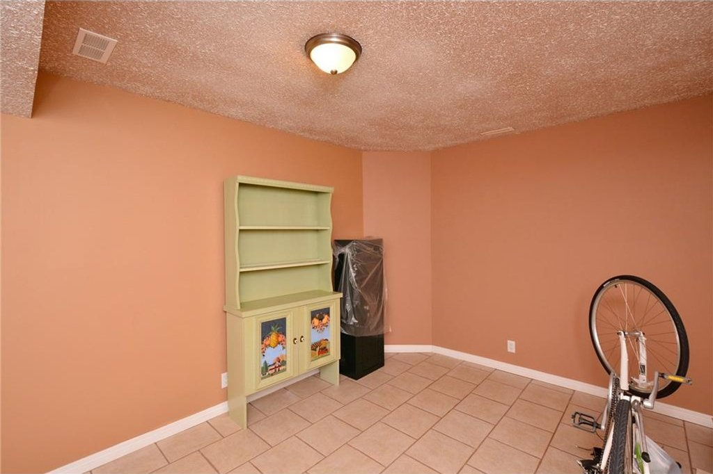Photo 40: Photos: 52 GLENEAGLES View: Cochrane House for sale : MLS®# C4125774