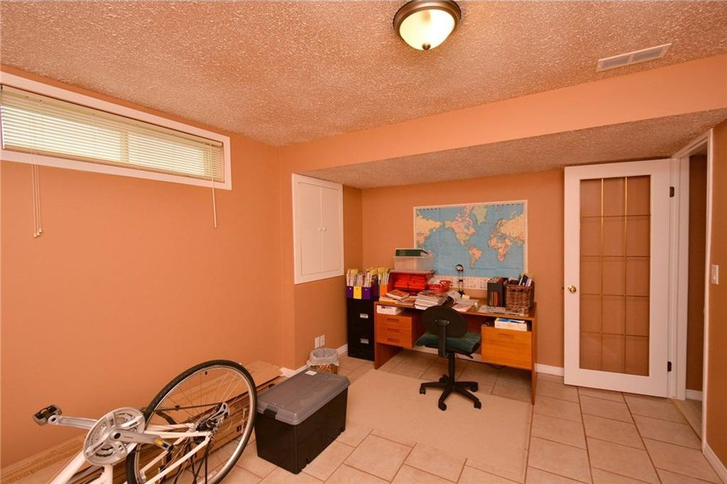 Photo 39: Photos: 52 GLENEAGLES View: Cochrane House for sale : MLS®# C4125774