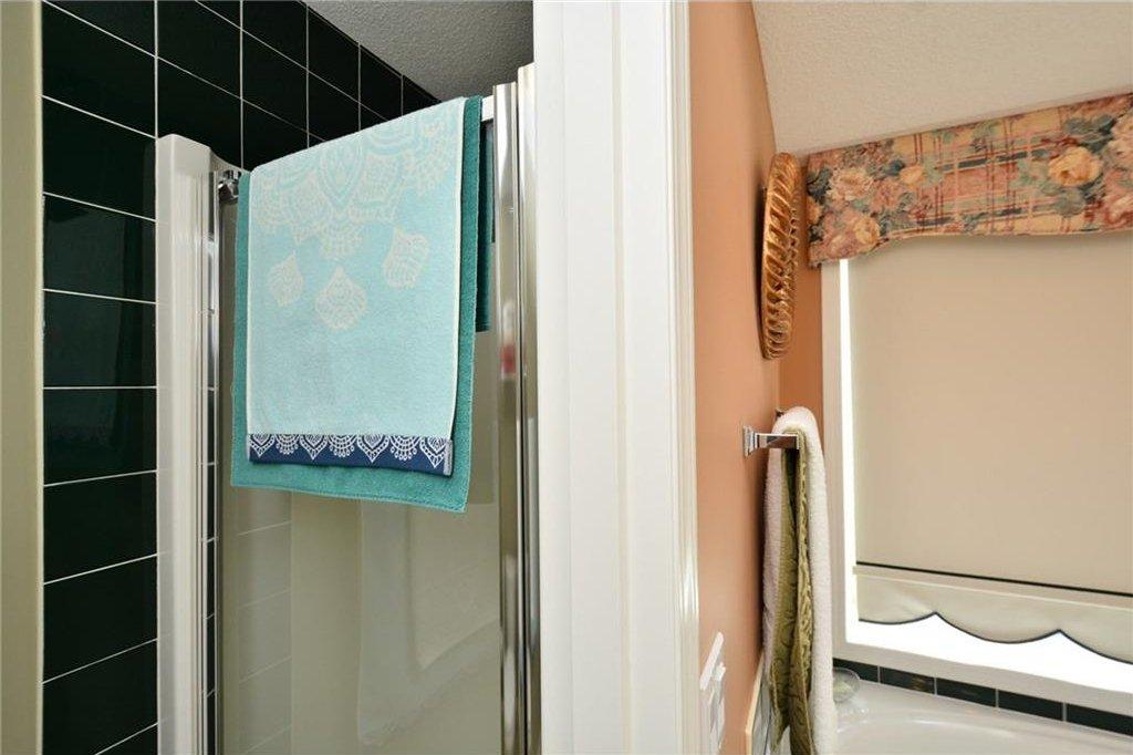Photo 27: Photos: 52 GLENEAGLES View: Cochrane House for sale : MLS®# C4125774