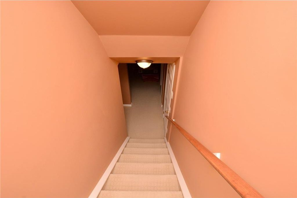 Photo 35: Photos: 52 GLENEAGLES View: Cochrane House for sale : MLS®# C4125774