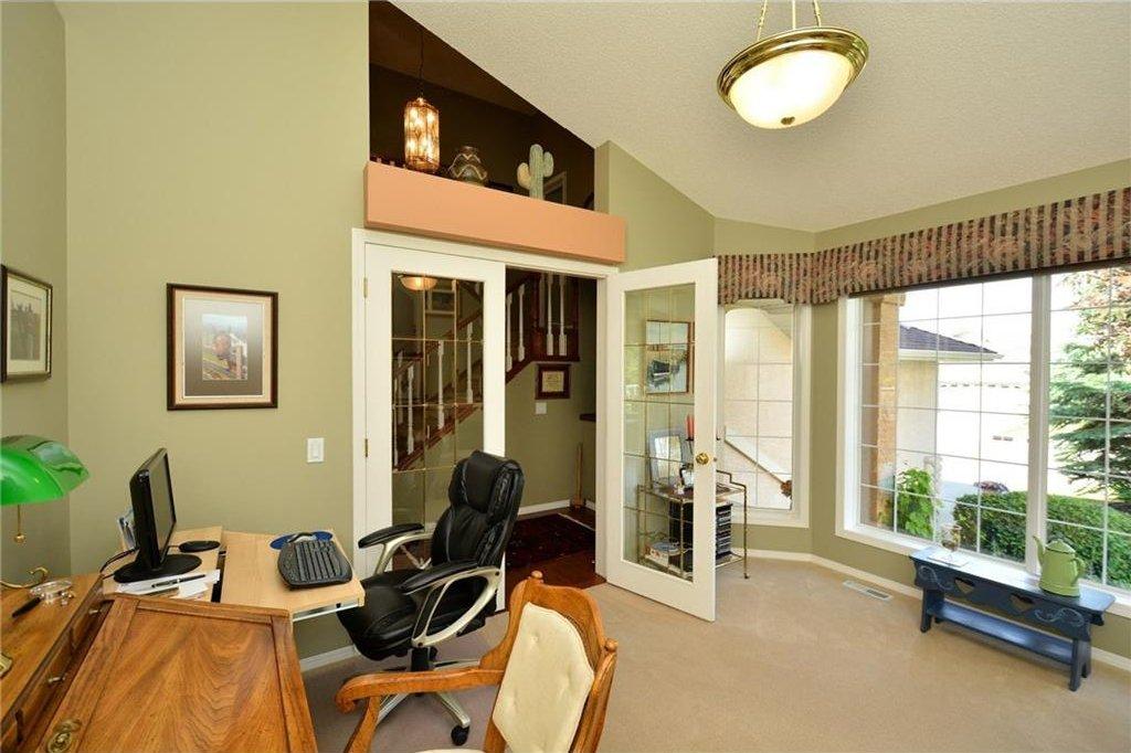 Photo 20: Photos: 52 GLENEAGLES View: Cochrane House for sale : MLS®# C4125774