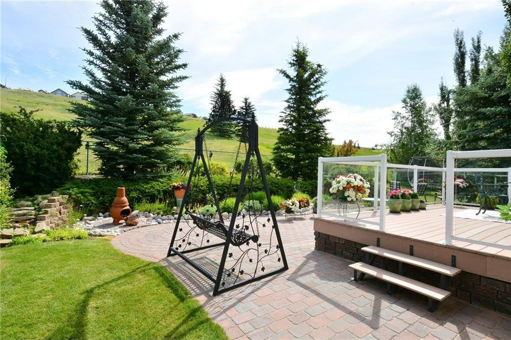 Photo 41: Photos: 52 GLENEAGLES View: Cochrane House for sale : MLS®# C4125774