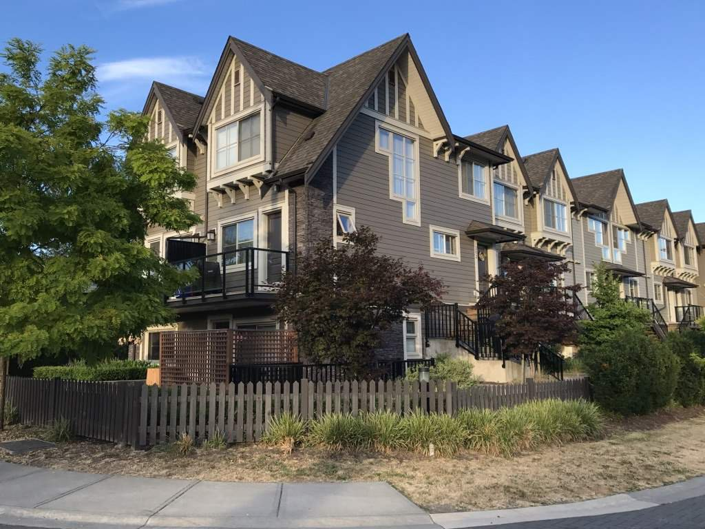 Main Photo: 207 7159 STRIDE AVENUE in Burnaby: Edmonds BE Townhouse for sale (Burnaby East)  : MLS®# R2187855