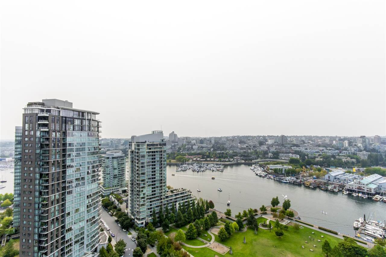 "Photo 2: Photos: 3106 583 BEACH Crescent in Vancouver: Yaletown Condo for sale in ""PARK WEST II"" (Vancouver West)  : MLS®# R2202819"