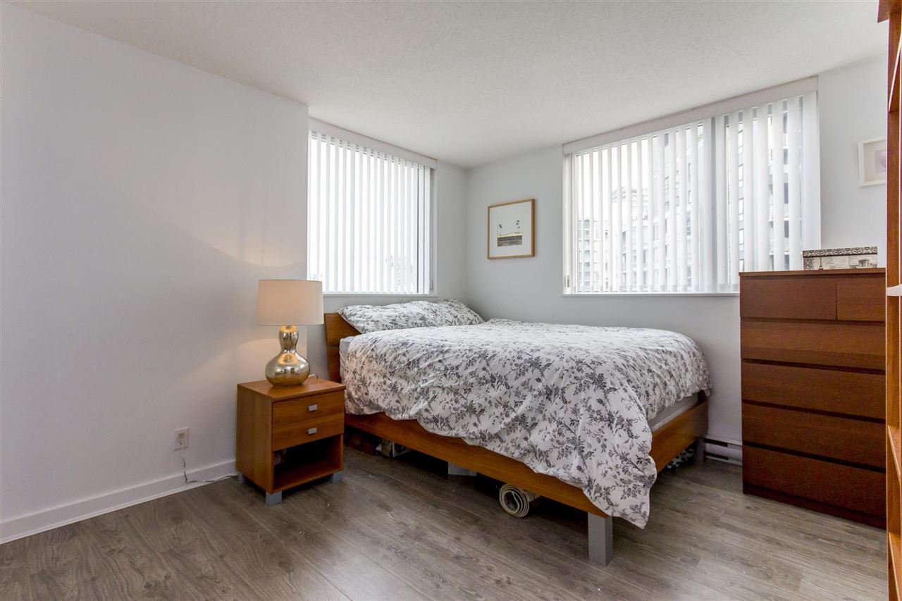 "Photo 10: Photos: 3106 583 BEACH Crescent in Vancouver: Yaletown Condo for sale in ""PARK WEST II"" (Vancouver West)  : MLS®# R2202819"