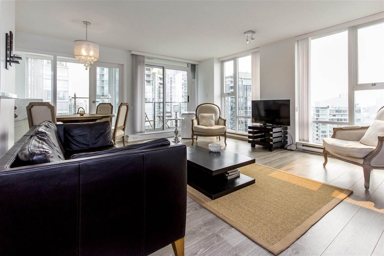 "Photo 4: Photos: 3106 583 BEACH Crescent in Vancouver: Yaletown Condo for sale in ""PARK WEST II"" (Vancouver West)  : MLS®# R2202819"