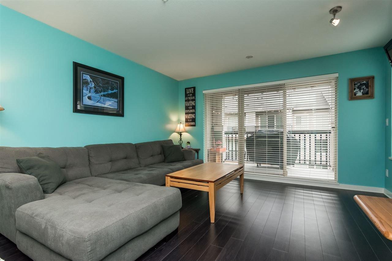 "Photo 6: Photos: 415 21009 56 Avenue in Langley: Salmon River Condo for sale in ""CORNERSTONE"" : MLS®# R2215303"