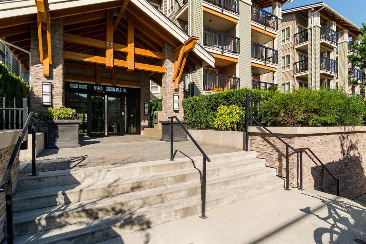 "Photo 2: Photos: 415 21009 56 Avenue in Langley: Salmon River Condo for sale in ""CORNERSTONE"" : MLS®# R2215303"