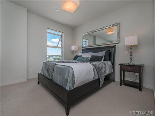 Main Photo: 401 601 Herald Street in VICTORIA: Vi Downtown Residential for sale (Victoria)  : MLS®# 367884