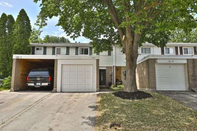 Main Photo: 2 141 Ripley Court in Oakville: College Park House (2-Storey) for sale : MLS®# W4170966