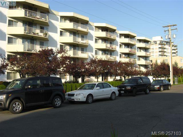 Main Photo: 101 1148 Goodwin St in VICTORIA: OB South Oak Bay Condo Apartment for sale (Oak Bay)  : MLS®# 490596