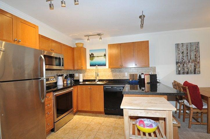 "Photo 3: Photos: 306 22255 122 Avenue in Maple Ridge: West Central Condo for sale in ""MAGNOLIA GATE"" : MLS®# R2303872"