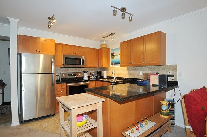 "Photo 2: Photos: 306 22255 122 Avenue in Maple Ridge: West Central Condo for sale in ""MAGNOLIA GATE"" : MLS®# R2303872"