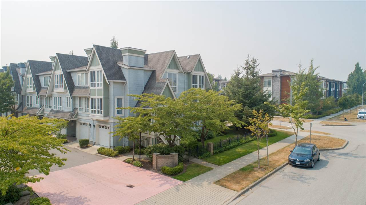 "Main Photo: 20 16388 85 Avenue in Surrey: Fleetwood Tynehead Townhouse for sale in ""Camelot Village"" : MLS®# R2309521"