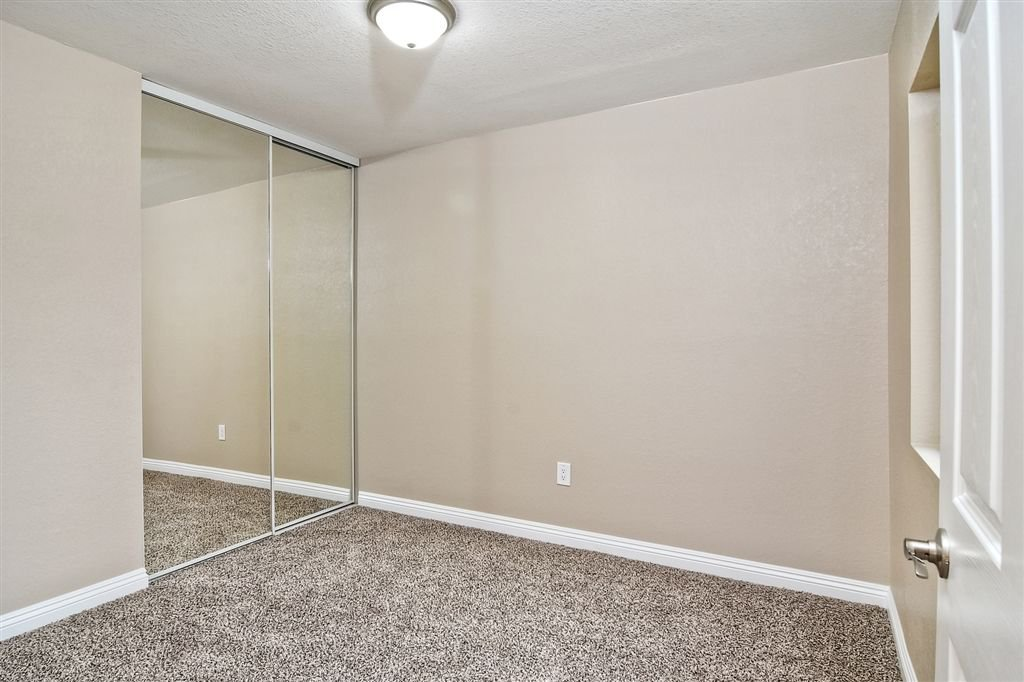Photo 13: Photos: SCRIPPS RANCH Townhome for sale : 4 bedrooms : 10324 Caminito Goma in San Diego