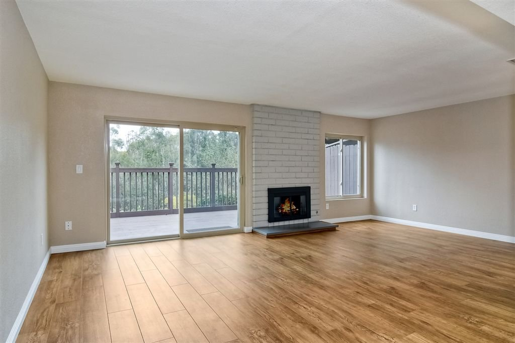 Photo 8: Photos: SCRIPPS RANCH Townhome for sale : 4 bedrooms : 10324 Caminito Goma in San Diego