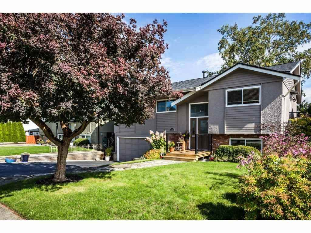 Main Photo: 15962 PROSPECT Crescent: White Rock House for sale (South Surrey White Rock)  : MLS®# R2341039