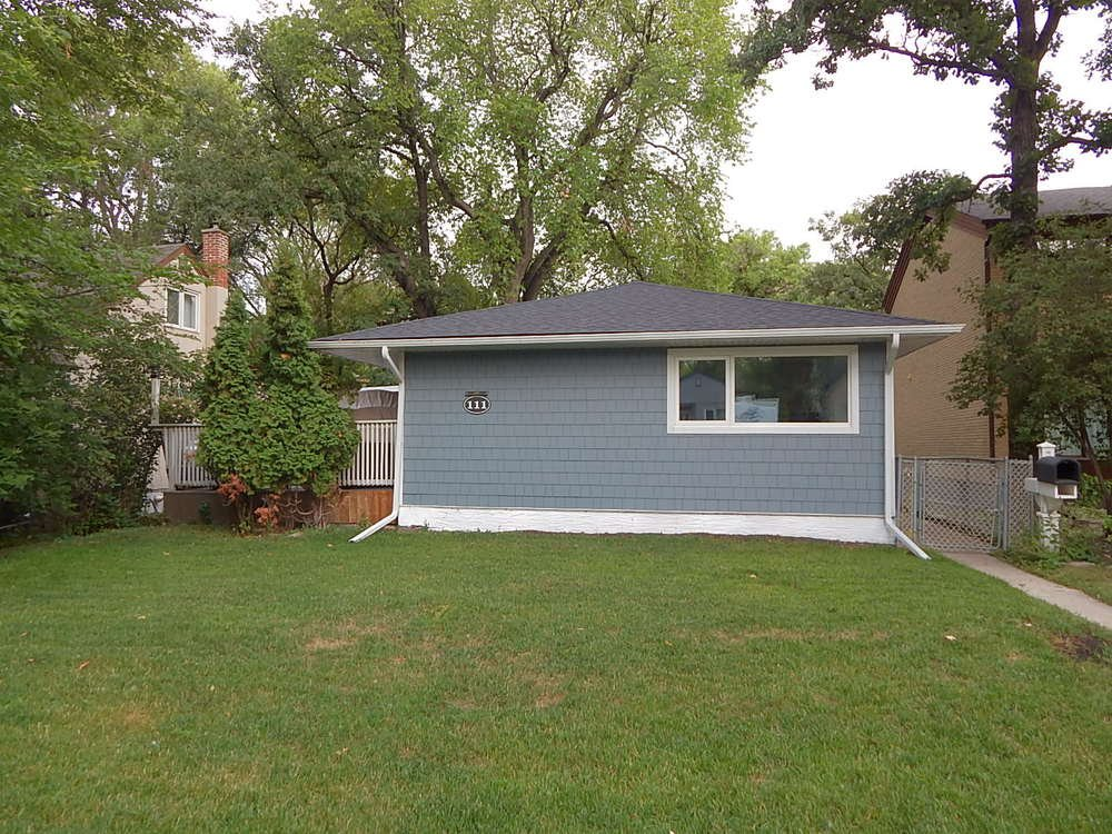 Main Photo:  in Winnipeg: House for sale : MLS®# 1822776