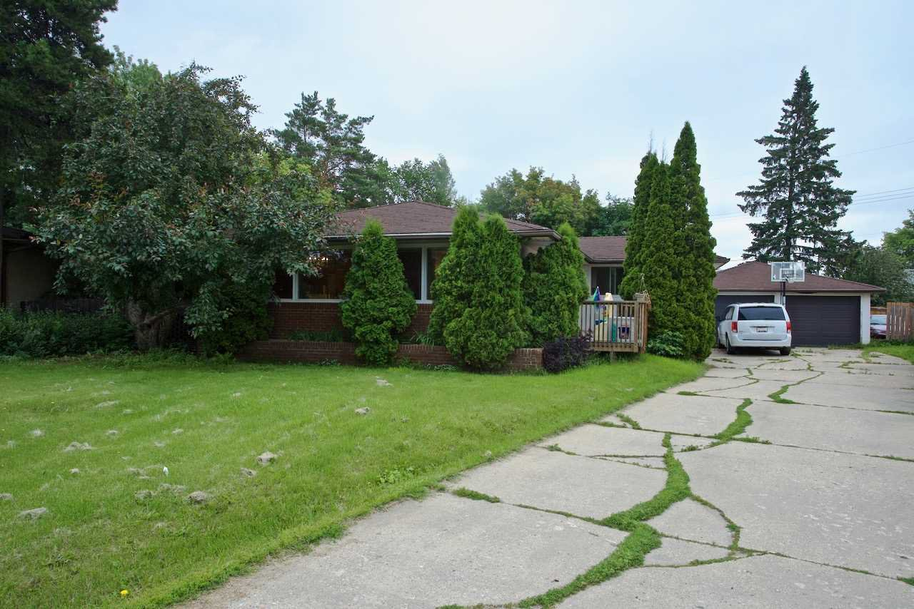 Main Photo: 10623 42 Street in Edmonton: Zone 19 House for sale : MLS®# E4165713