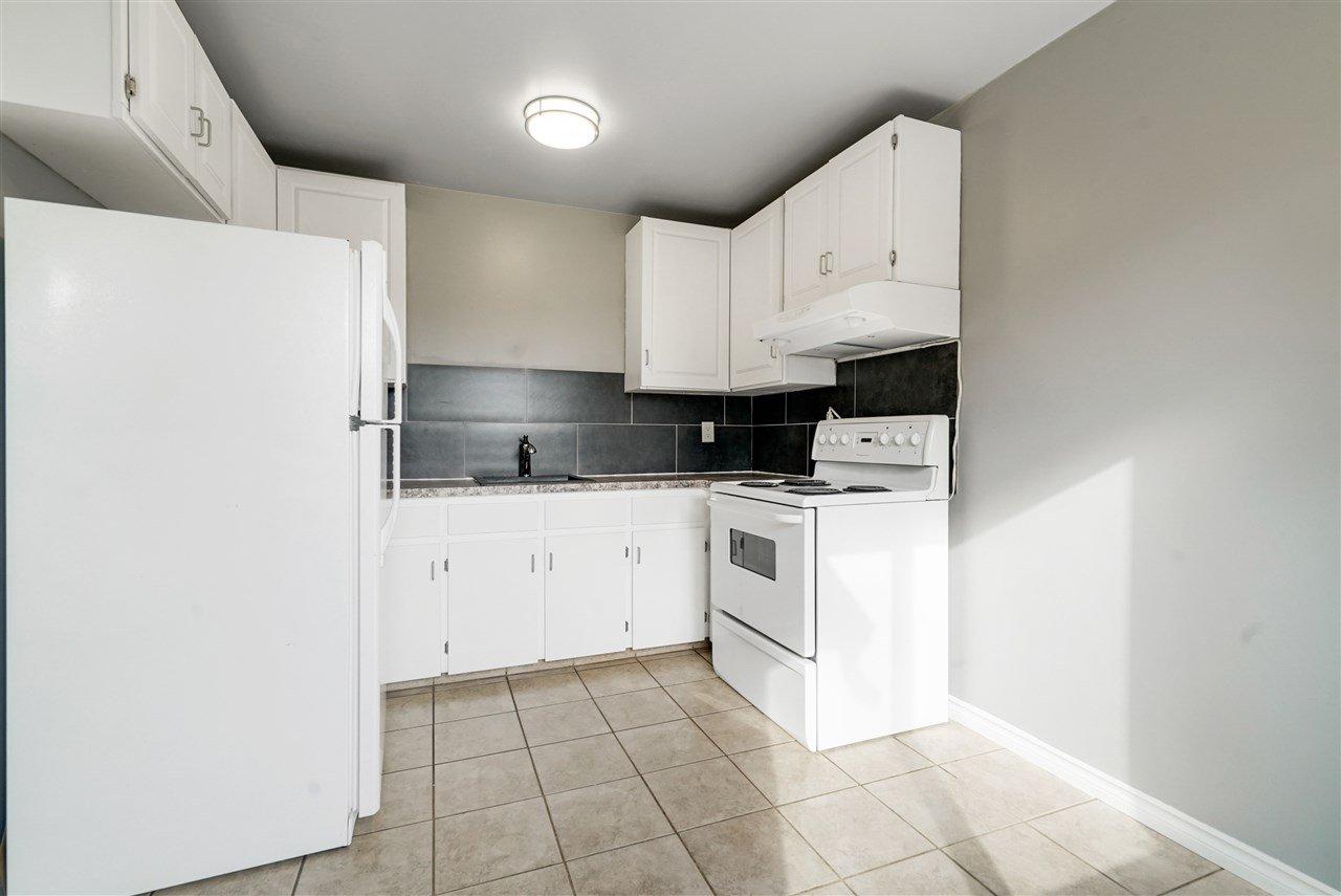Main Photo:  in Edmonton: Zone 02 Townhouse for sale : MLS®# E4173400