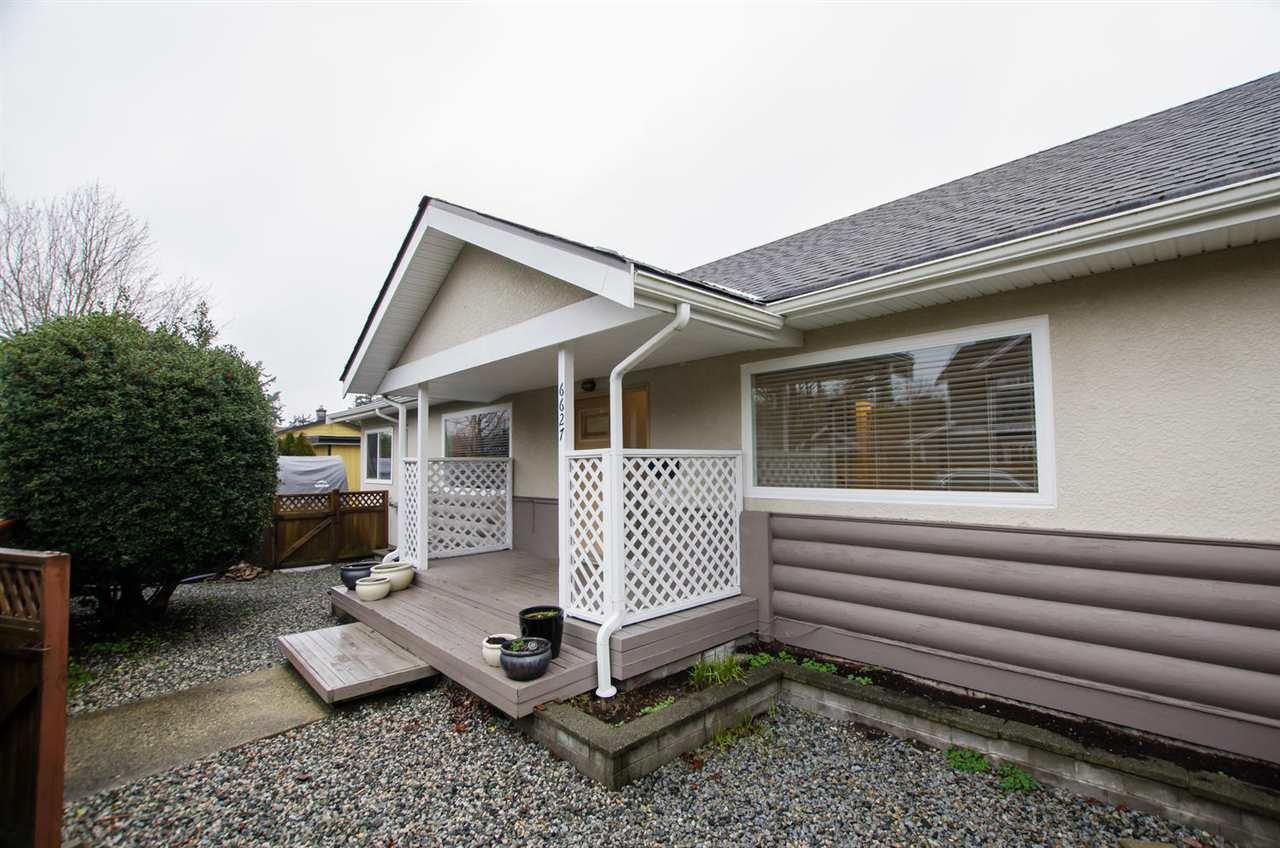 Main Photo: 6627 1A Avenue in Delta: House for sale (Tsawwassen)  : MLS®# R2433538