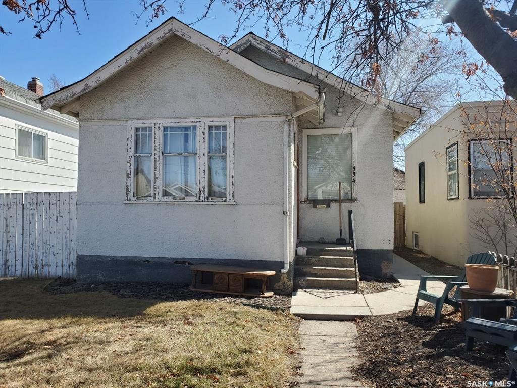 Main Photo: 334 H Avenue South in Saskatoon: Riversdale Residential for sale : MLS®# SK805875