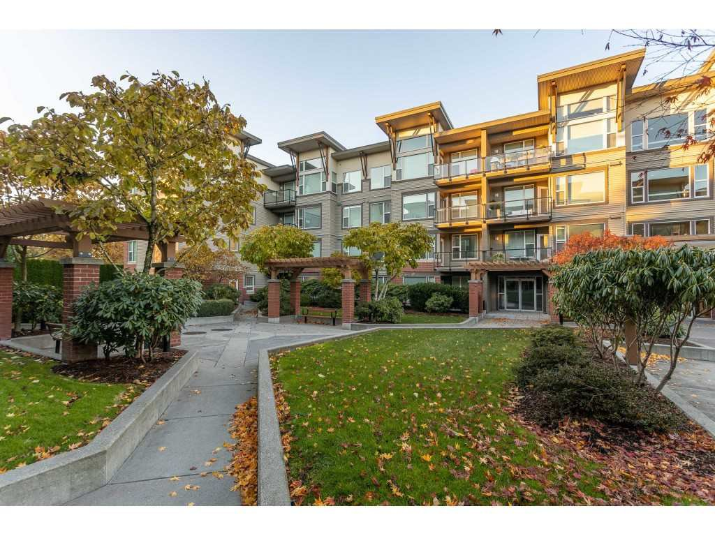 Main Photo: 411 33538 MARSHALL Road in Abbotsford: Central Abbotsford Condo for sale : MLS®# R2505521