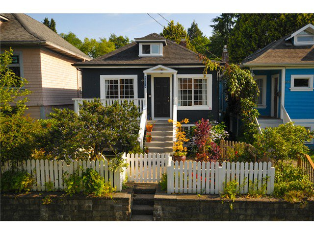 Main Photo: 1576 E 13TH Avenue in Vancouver: Grandview VE House for sale (Vancouver East)  : MLS®# V963969