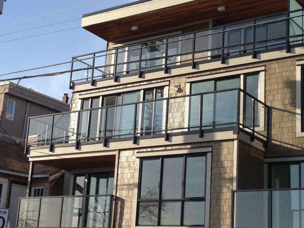 Main Photo: 301 15449 MARINE Drive: White Rock Condo for sale (South Surrey White Rock)  : MLS®# F1228935