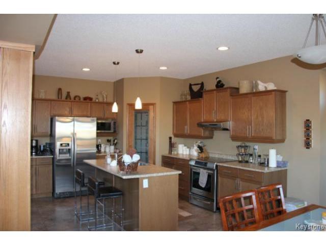 Photo 3: Photos: 91 Desrosiers Drive in WINNIPEG: Transcona Residential for sale (North East Winnipeg)  : MLS®# 1320703