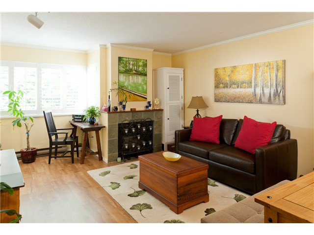 """Main Photo: 3021 WILLOW Street in Vancouver: Fairview VW Townhouse for sale in """"Willow Gate"""" (Vancouver West)  : MLS®# V1034778"""