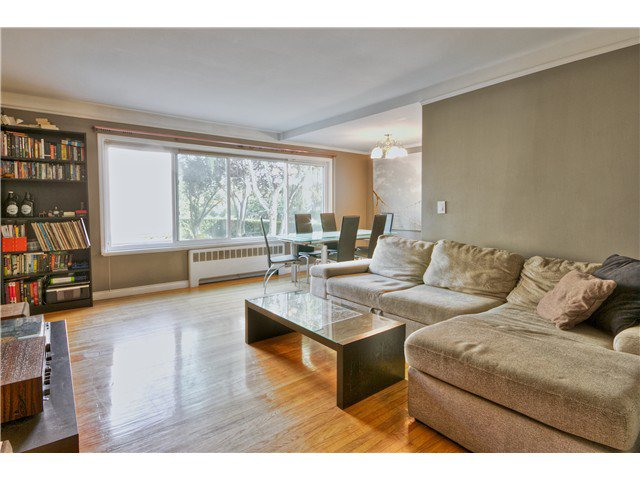 "Main Photo: 24 1480 ARBUTUS Street in Vancouver: Kitsilano Condo for sale in ""SEAVIEW MANOR"" (Vancouver West)  : MLS®# V1044772"