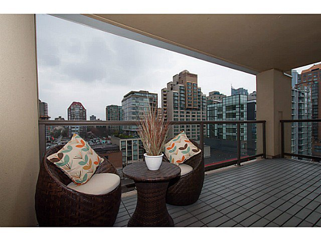 "Main Photo: 1102 789 DRAKE Street in Vancouver: Downtown VW Condo for sale in ""Century Tower"" (Vancouver West)  : MLS®# V1057525"