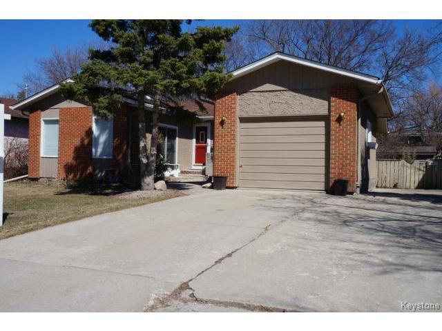 Main Photo: 35 SCOTSWOOD Drive in WINNIPEG: Charleswood Residential for sale (South Winnipeg)  : MLS®# 1408619