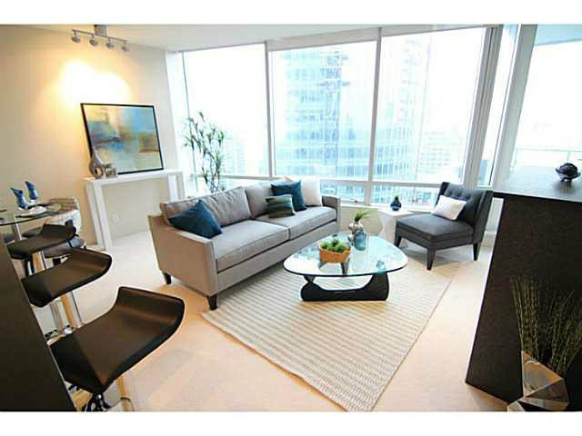 "Main Photo: 3306 1077 W CORDOVA Street in Vancouver: Coal Harbour Condo for sale in ""SHAW TOWERS"" (Vancouver West)  : MLS®# V1095710"