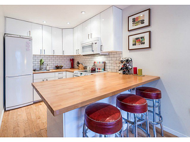 """Photo 8: Photos: 414 1215 PACIFIC Street in Vancouver: West End VW Condo for sale in """"PACIFIC PLACE"""" (Vancouver West)  : MLS®# V1100589"""